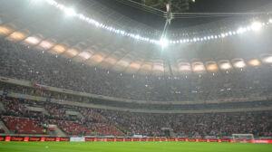 Kiedy mecz pod zamkniętym dachem? Co mówią przepisy FIFA?
