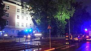 Strażacy wycinali drzewo. Tramwaje nie jeździły Rakowiecką