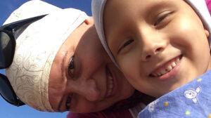 """""""Rak kontra rak"""". Chora matka walczy o życie chorego syna"""