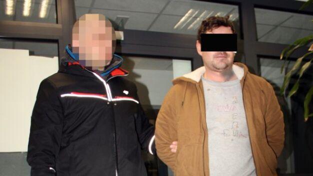 Policja: wziął nóż i bez żadnego powodu ugodził partnerkę