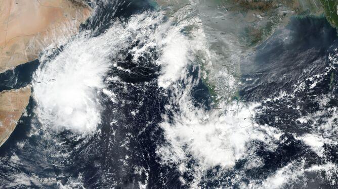 Tak wygląda sytuacja meteorologiczna na Morzu Arabskim (NASA Worldview)